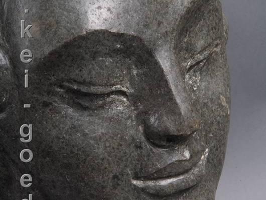natuurstenen buddha