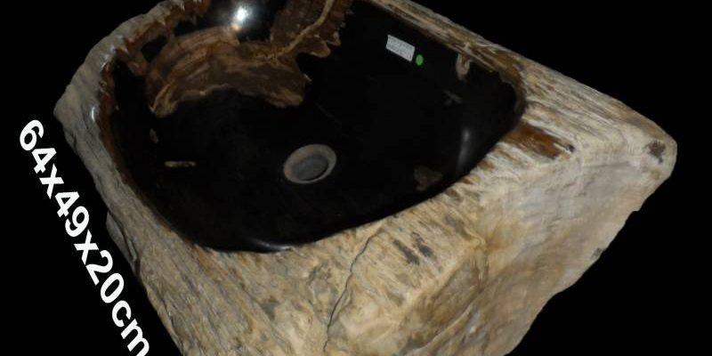 Grote wastafel versteend hout