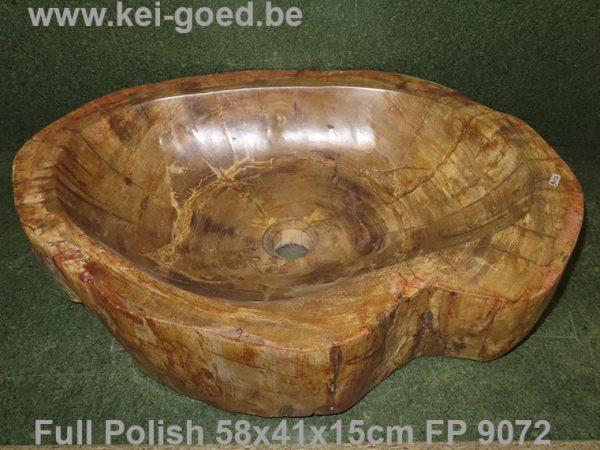 versteend hout waskom volledig gepolijst