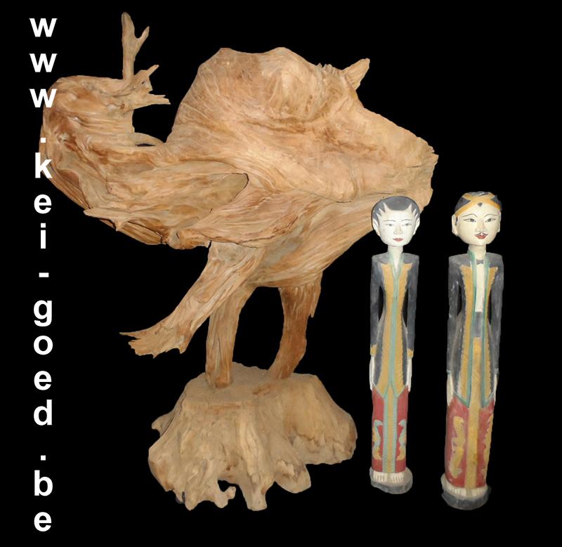 erosi hout met wajang