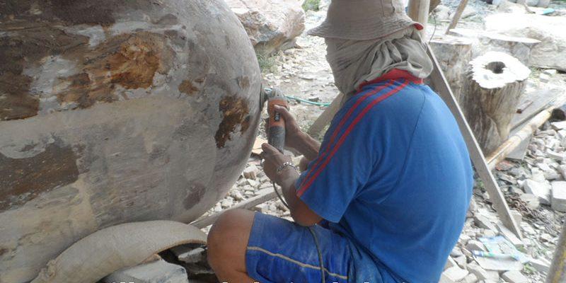 travailler sur le bain de bois pétrifié