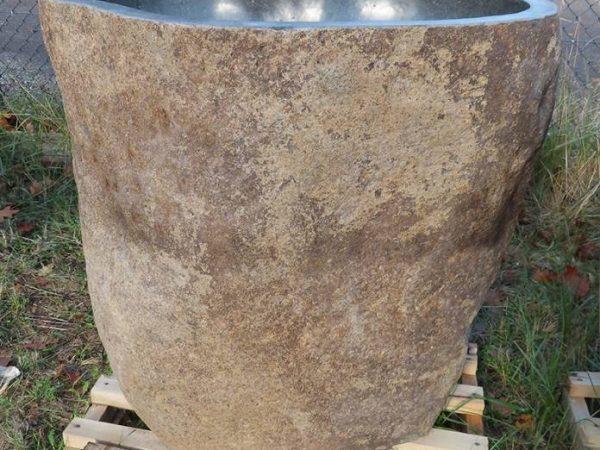 Fontein zuil van natuursteen