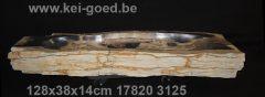 bijzondere lange versteend houten wasbak