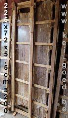 tafelbladen van versteend hout