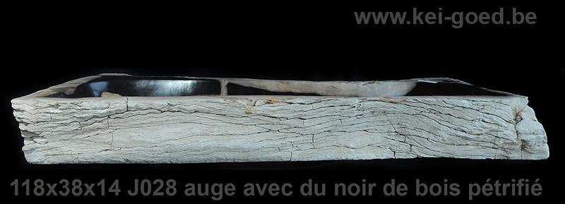 auge avec du noir de bois pétrifié
